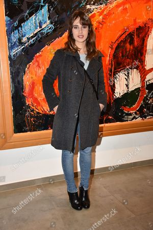 Angela Curri