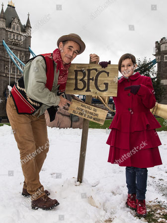 Stock Image of Stars Mark Rylance and Ruby Barnhill celebrate the release of The BFG on Digital Download, Blu-ray & DVD with a visit to a giant scene at Potters Field
