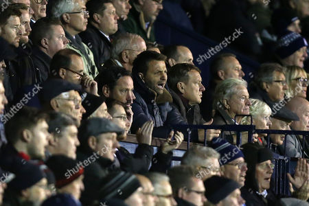 Swindon Town Director of Football Tim Sherwood (C) during Southend United vs Swindon Town, Sky Bet EFL League 1 Football at Roots Hall on 22nd November 2016