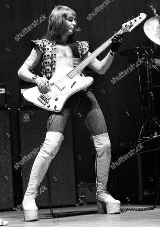 Mott The Hoople  - Peter 'Overend' Watts at Newcastle City Hall