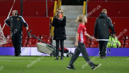 Julia Roberts and Her Children Phinnaeus Moder, Henry Daniel Moder And Hazel Moder Play on the Old Trafford Pitch After the Match