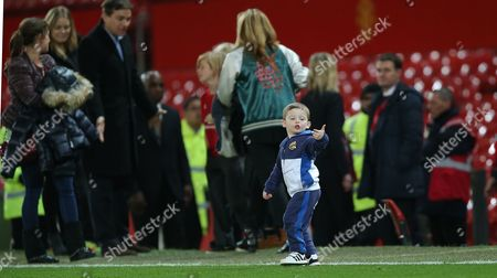 Klay ROONEY ON THE PITCH AFTER THE MATCH