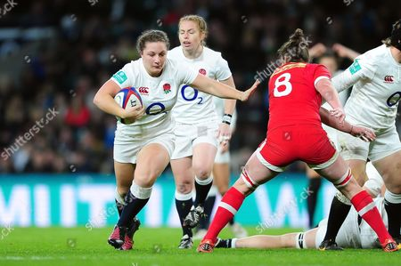 Amy Cokayne of England takes on the Argentina defence