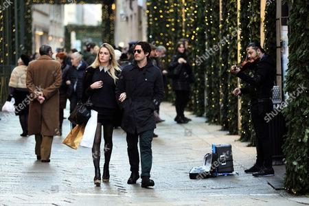 Pato and girlfriend Fiorella Mattheis shopping