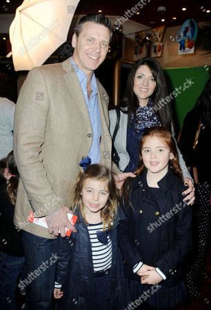 'Rio' Gala Screening at the Empire Leicester Square Steve Backley with His Family