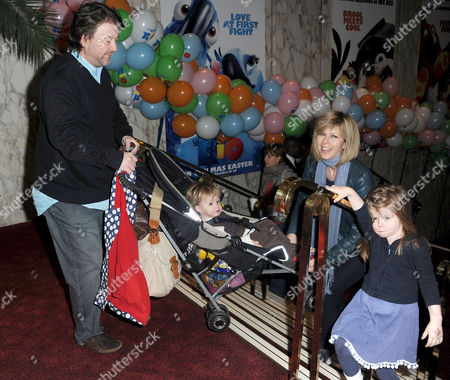 'Rio' Gala Screening at the Empire Leicester Square Kate Garraway and Derek Draper with Their Children Darcey and William
