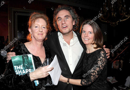 Literary Review Bad Sex in Fiction Award 2010 at the in & out Club Mayfair Winner Rowan Somerville For His Book 'The Shape of Her' with the Actresses Who Read out the Passages Sarah Crowden (l) and Lucy Beresford (r)