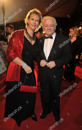 National Television Awards Arrivals at the 02 Arena Greenwich David Jason with His Wife Gill Hinchcliffe
