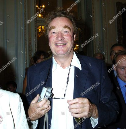 Flora Fraser Launch Party For Her New Book 'Princesses the Daughters of George 111' at the Saville Club 69 Brook Street W1 Christopher Simon Skyes