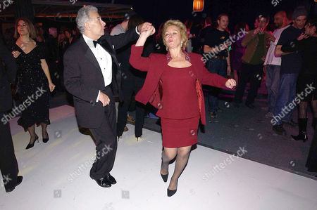 Party at Old Billingsgate Market Following A Benefit Performance to Raise Funds For the Old Vic Theatre Lord Michael and Lady Gilda Levy