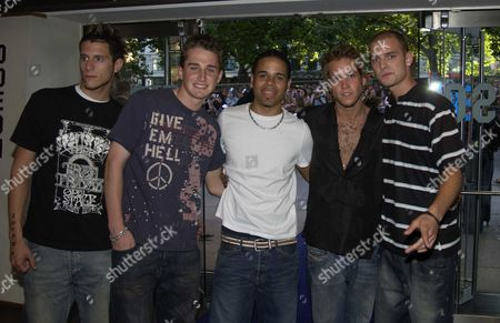 Premiere of 'Pirates of the Caribbean: the Curse of the Black Pearl' at the Odeon Leicester Square Band 'Triple 8' (ian Farquharson Jamie Bell David Wilcox Josh Barnett Justin Scott )