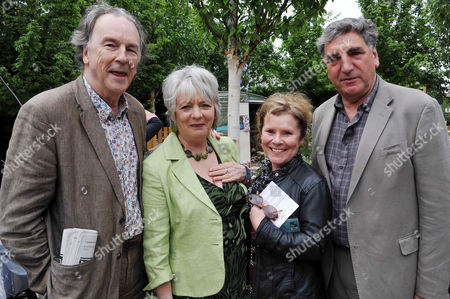 Rhs Chelsea Flower Show Press Preview Day at the Royal Hospital Chelsea Michael Elwyn with His Partner Alison Steadman and Imelda Staunton with Her Husband Jim Carter