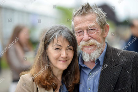 Rhs Chelsea Flower Show Press Preview Day at the Royal Hospital Chelsea John Hurt with His Wife Anwen Rees Meyers