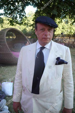 Serpentine Gallery Summer Party at Kensington Park Gardens Tatler Photographer Jonathan Becker