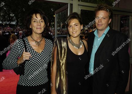 Premiere of 'Stage Beauty' at the Odeon Westend Leicester Square Lady Sue Eyre with Her Daughter Lucy and Her Partner Ben Letto