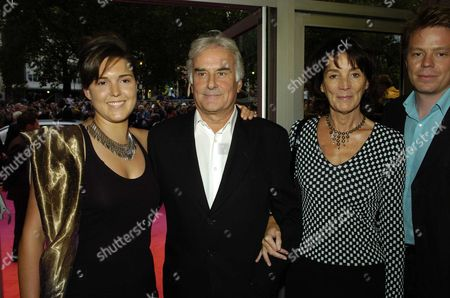 Premiere of 'Stage Beauty' at the Odeon Westend Leicester Square Sir Richard and Lady Sue Eyre with Their Daughter Lucy and Her Partner Ben Letto