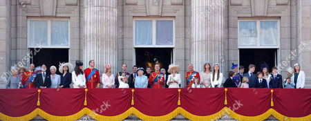 Trooping of the Colour - Balcony Scenes Katharine Duchess of Kent Julia Ogilvy Prince Edward Duke of Kent Prince Michael of Kent Princess Alexandra Princess Michael of Kent Sophie Winkleman Lady Frederick Windsor Catherine Duchess of Cambridge William the Duke of Cambridge Sophie Countess of Wessex Edward Earl of Wessex Lady Louise Windsor Vice-admiral Timothy Laurence Anne Princess Royal Queen Elizabeth 2th Prince Harry Prince Philip Duke of Edinburgh Andrew Duke of York Camilla Countess of Cornwall Charles Prince of Wales Serena Armstrong-jones Viscountess Linley Lady Helen Taylor