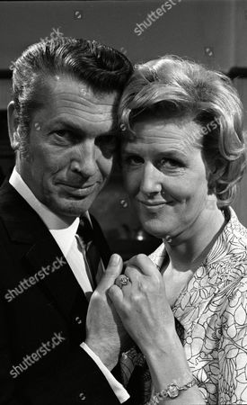 Stock Photo of Eric Lander (as Ron Cooke) and Irene Sutcliffe (as Maggie Clegg) (Episode 1402 24th June 1974).