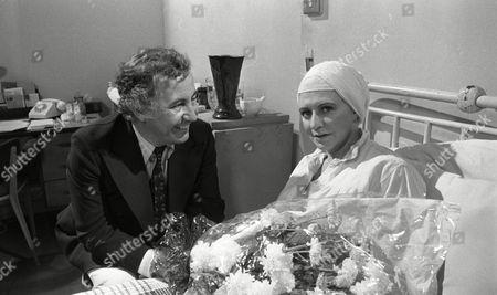 Alan Browning (as Alan Howard) and Pat Phoenix (as Elsie Howard) (Episode 1312 - 13th August 1973).