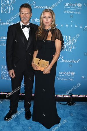 Tim Daly and Tea Leoni