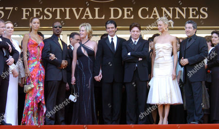 2004 Cannes Film Festival - Photocall and Screening For 'Shrek 2' Julie Andrews Nicole and Eddie Murphy Melanie Griffith and Antonio Banderas Mike Myers Cameron Diaz