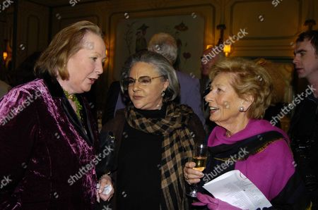 Foyles Literary Luncheon Vip Reception in the Terrace Room at the Dorchester Hotel Park Lane W1 Sarah Bradford & Lady Harlech with Mrs Robin Dalton