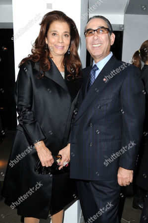 Ôart Rocks' an Exhibition of Extraordinary Jewellery at Shizaru Gallery Mayfair Nasser Khalili with His Wife Marion Easton