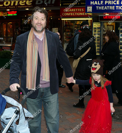 'Yogi Bear in 3d' Uk Gala Screening in Association with the Variety Club Children's Charity at the Vue Cinema Leicester Square Derek Draper with His Daughter Darcey