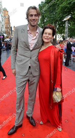'Chariots of Fire' Great British Premiere at the Empire Leicester Square Athlete Chris Tomlinson and Alice Krige