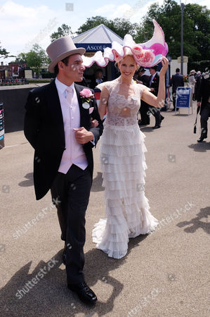 Stock Picture of First Day of Royal Ascot at Ascot Racecourse Berkshire Michael Tanaka with His Wife Anneka Tanaka-svenska