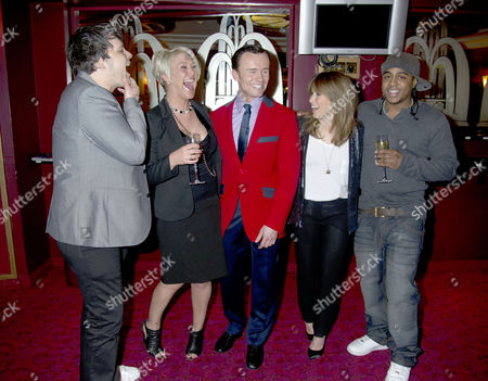 Former S Club 7 Member Jon Lee Joins the Cast of Jersey Boys and His Ex-band Members Welcome Him Into the Show Their First Reunion Since the Band Split Paul Cattermole Jo O'meara Jon Lee Rachel Stevens Bradley Mcintosh *exclusive Photographs All Rounder Double Space Rate For Magazines*