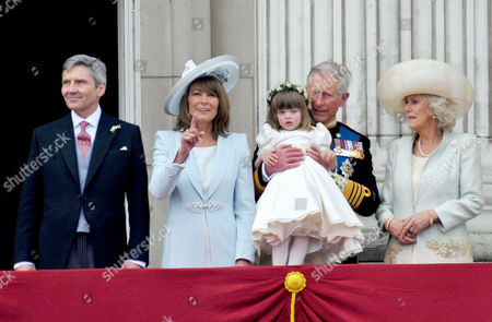 the Wedding of William Prince of Wales to Catherine Middleton the Royal Family Pose On the Balcony of Buckingham Palace -michael Middleton Carole Middleton Charles Prince of Wales Duke of Cornwall Camilla Duchess of Cornwall and Eliza Lopes