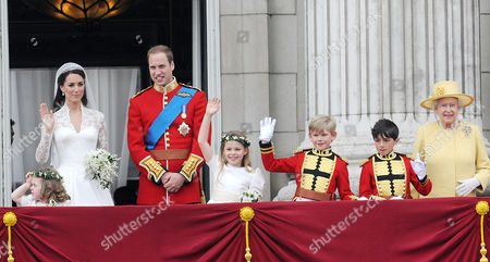 Stock Photo of the Wedding of William Prince of Wales to Catherine Middleton the Royal Family Pose On the Balcony of Buckingham Palace - Grace Van Cutsem Kate Middleton Duchess of Cambridge William Prince of Wales Duke of Cambridge Margarita Armstrong-jones Hm Queen Elizabeth Ii Tom Pettifer and William Lowther-pinkerton