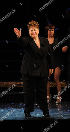 'Chicago' Cast Change at the Cambridge Theatre 7 Dials - Curtain Call Sue Kelvin