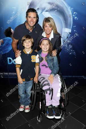 'Dolphin Tale 3d' Screening at the Vue Leicester Square Lucy Alexander with Her Husband Stewart Castledine and Their Children Kitty and Leo