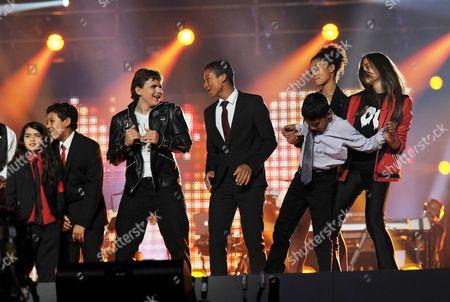 'Michael Forever' Concert at the Millenium Stadium Wales Blanket Jackson Prince Jackson Jaffar Jackson Jermajesty Jackson and Paris Jackson