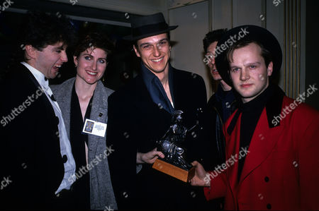 The 1989 Bpi Awards (brits) at the Grosvenor House Hotel Fairground Attraction with Eddi Reader Mark Nevin Simon Edwards and Roy Dodds Who Won Best British Album with 'The First of A Million Kisses'