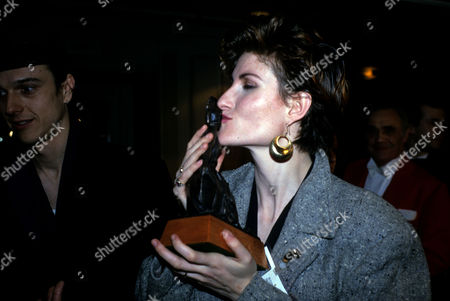 The 1989 Bpi Awards (brits) at the Grosvenor House Hotel Eddi Reader (fairground Attraction) with Ehr Award For Best British Album with 'The First of A Million Kisses'