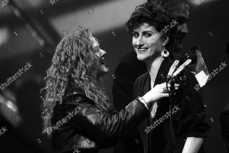 The 1989 British Pop Awards (brits) Held at the Grosvenor House Hotel Carol Decker (t'pau) and Eddi Reader of Fairground Attraction Who Won Best British Album with 'The First of A Million Kisses'
