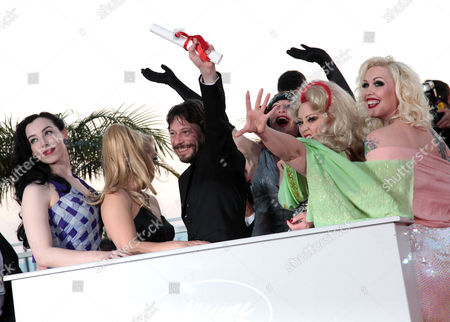 Closing Night Winners Photocall at the Festival De Palais During the 63rd Cannes Film Festival Best Director - Mathieu Amalric with the Cast of 'On Tour' Mimi Le Meaux Kitten On the Keys Dirty Martini Julie Atlas Muz and Roky Roulette