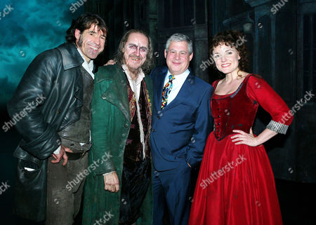 Final Performance of 'Oliver' at the Theatre Royal Drury Lane Steven Hartley (bill Sikes) Griff Rhys Jones (fagin) Sir Cameron Mackintosh and Kerry Ellis (nancy)