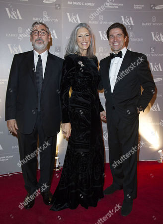 Hollywood Costume Dinner at the V&a John Landis with His Wife Deborah Nadoolman with Frederic De Narp Ceo of Harry Winston