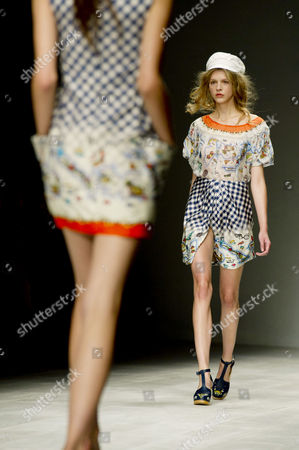 Kinder Aggugini Ss 2013 Collection Catwalk Show at Somerset House During London Fashion Week 2012
