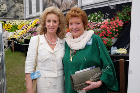 Rhs Chelsea Flower Show Press Day at the Royal Hospital Chelsea Lady Estelle Wolfson and Lady Helen Hamlyn