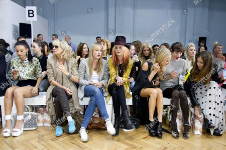 Sass&bide Ss2012 Front Row at the Royal Horticultural Halls During London Fashion Week 2012 Leah Weller Twiggy with Her Daughter Carly Witney Alison Mosshart Poppy Delevingne and Jasmine Guinness