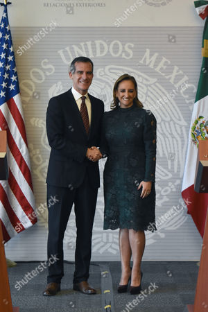 Eric Garcetti and Claudia Ruiz Massieu