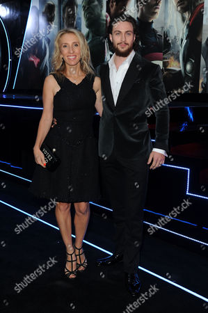'Avengers 2- Age of Ultron' European Premiere at Westfield Shepherds Bush Aaron Johnson-wood with His Wife Sam Taylor-johnson