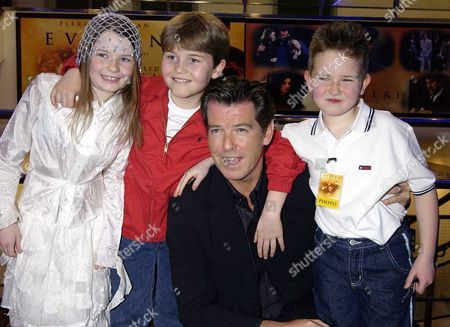 'Evelyn' Uk Premiere at the Odeon Westend Sophie Vavasseur Naill Beagan and Hugh Mcdonagh with Pierce Brosnan