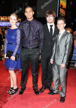 Arkivfoto av 'Hunky Dory' Red Carpet During the 55th Bfi London Film Festival at the Vue Leicester Square Darren Evans Jodie Davies Connagh Howard Kristian Gwilliam