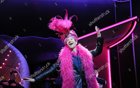'I Can't Sing' Photocall at the London Palladium Billy Carter
